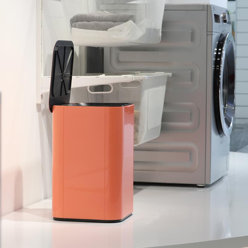 踢踢桶智能感应高档简约北欧创意家用大号带盖客厅厨房自动垃圾桶